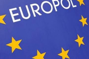 Bende opgerold die met virus EU geldautomaten leegroofde